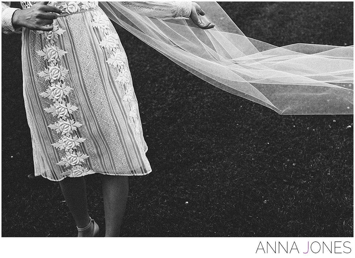 Emily + Alex by Anna Jones Wedding Photography - www.annajon.es
