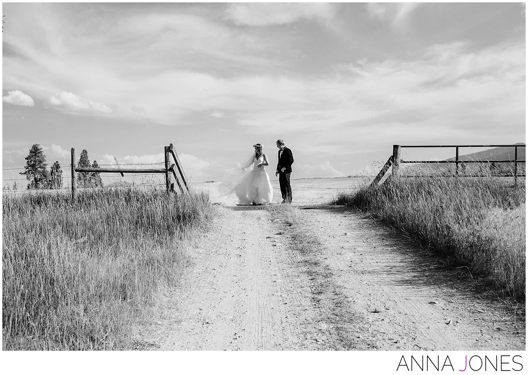 Amanda and Darius's beautiful Montana ranch wedding