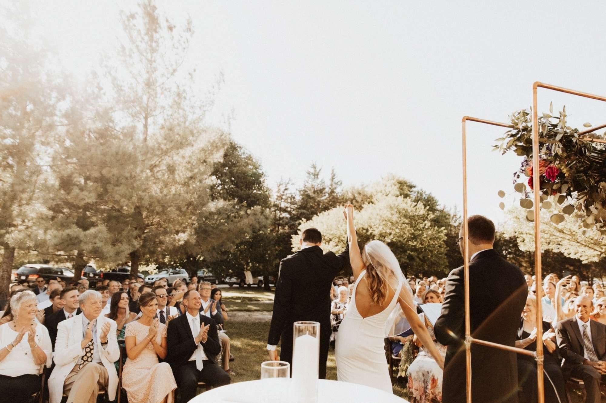 stonehaven barn wedding in Des Moines by anna jones