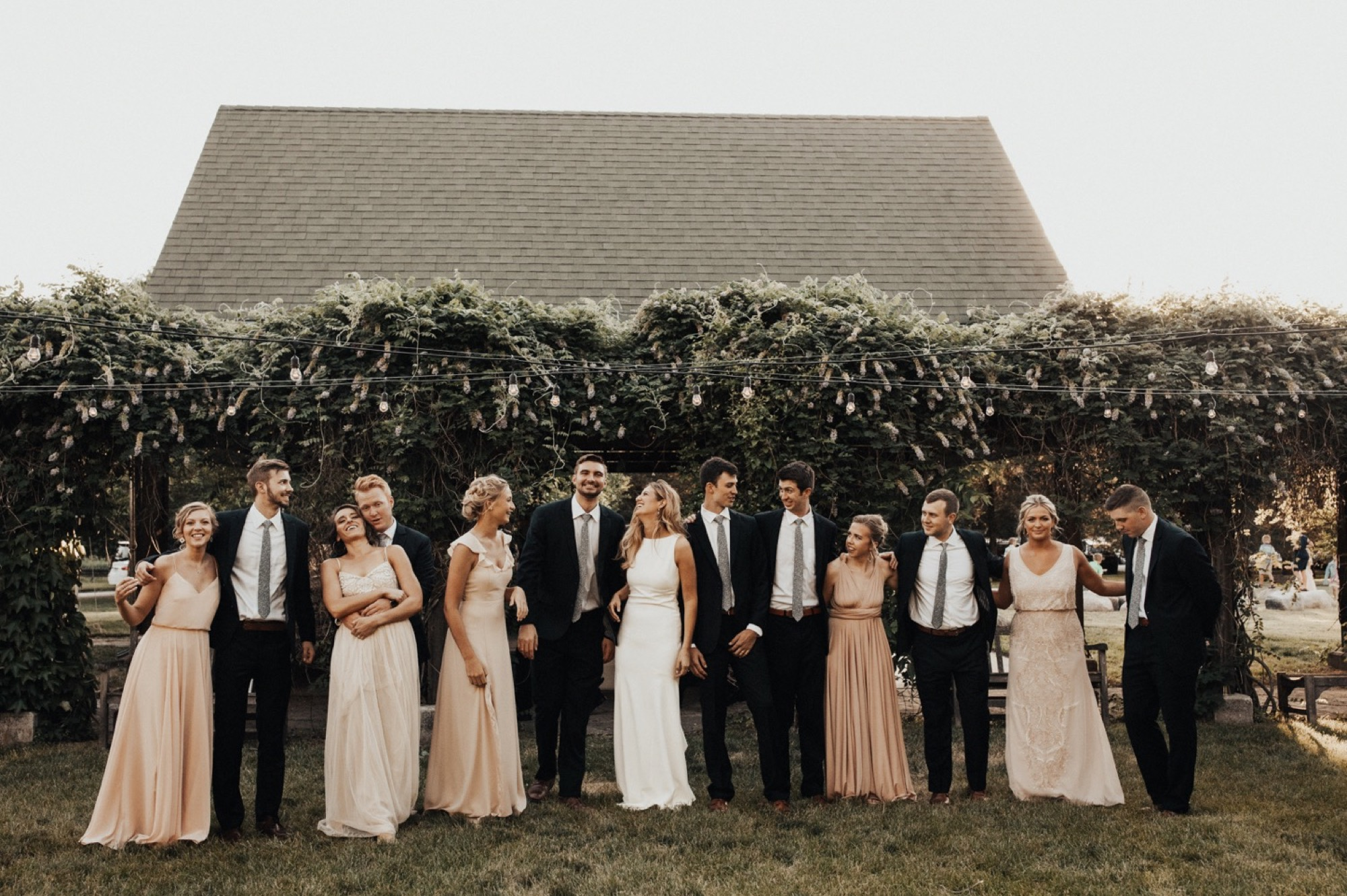 stonehaven barn wedding in Des Moines by anna jones