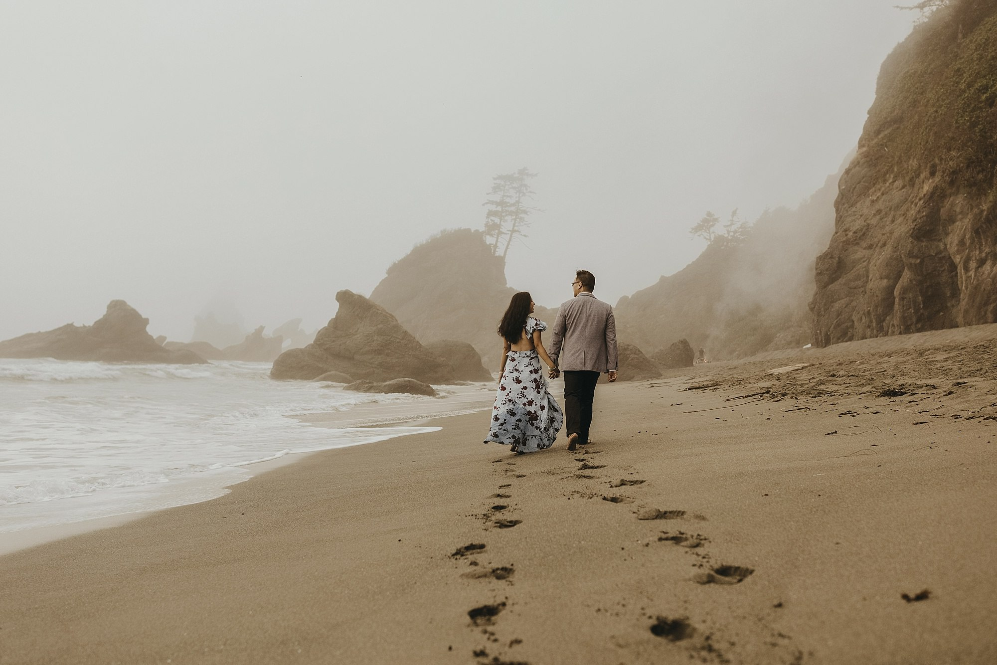 shi shi beach engagement shoot in olympic national park honey preset by India earl