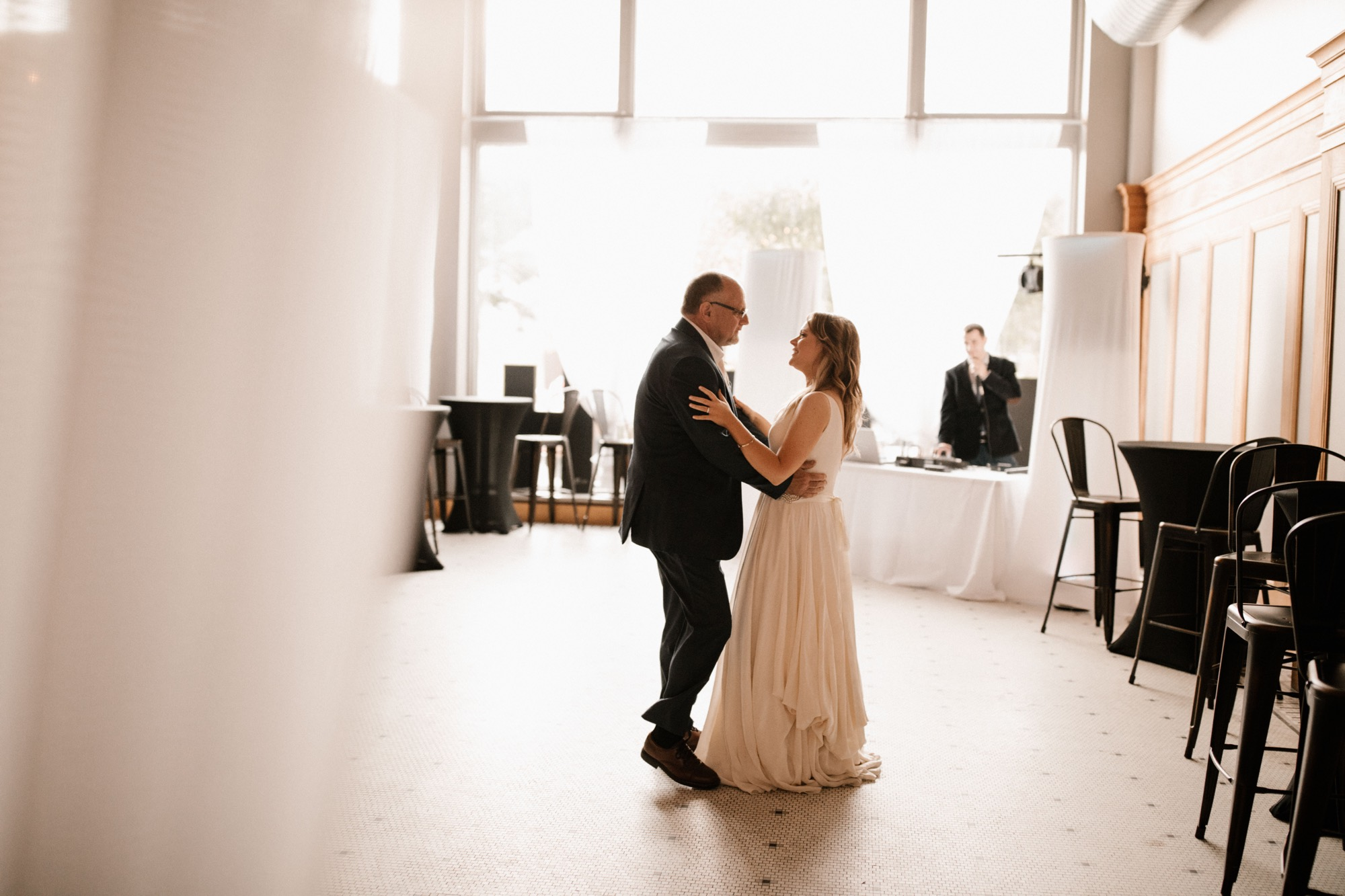 bash downtown des moines wedding brides first dance with dad