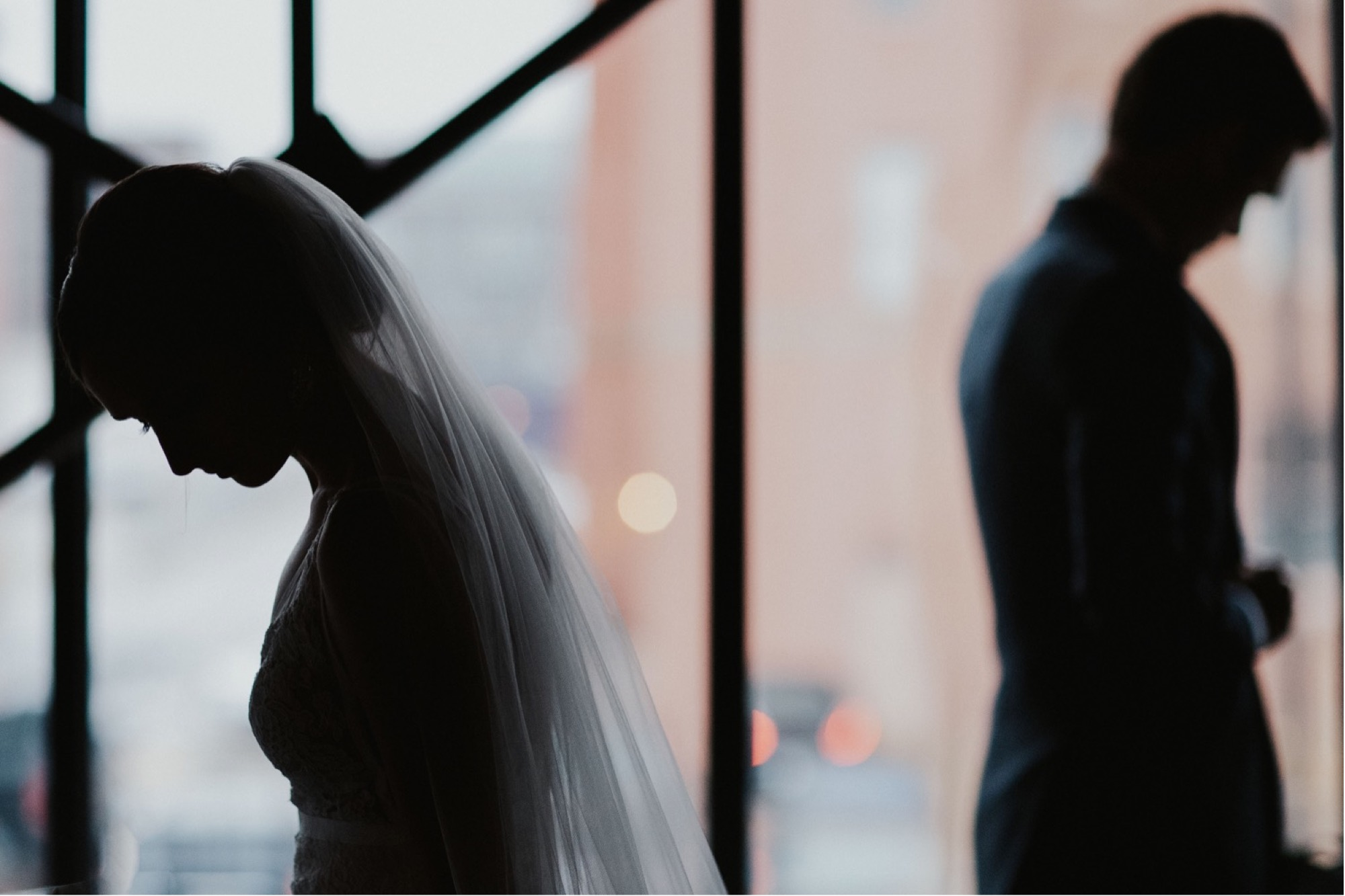creative shot of couple at curate des moines wedding