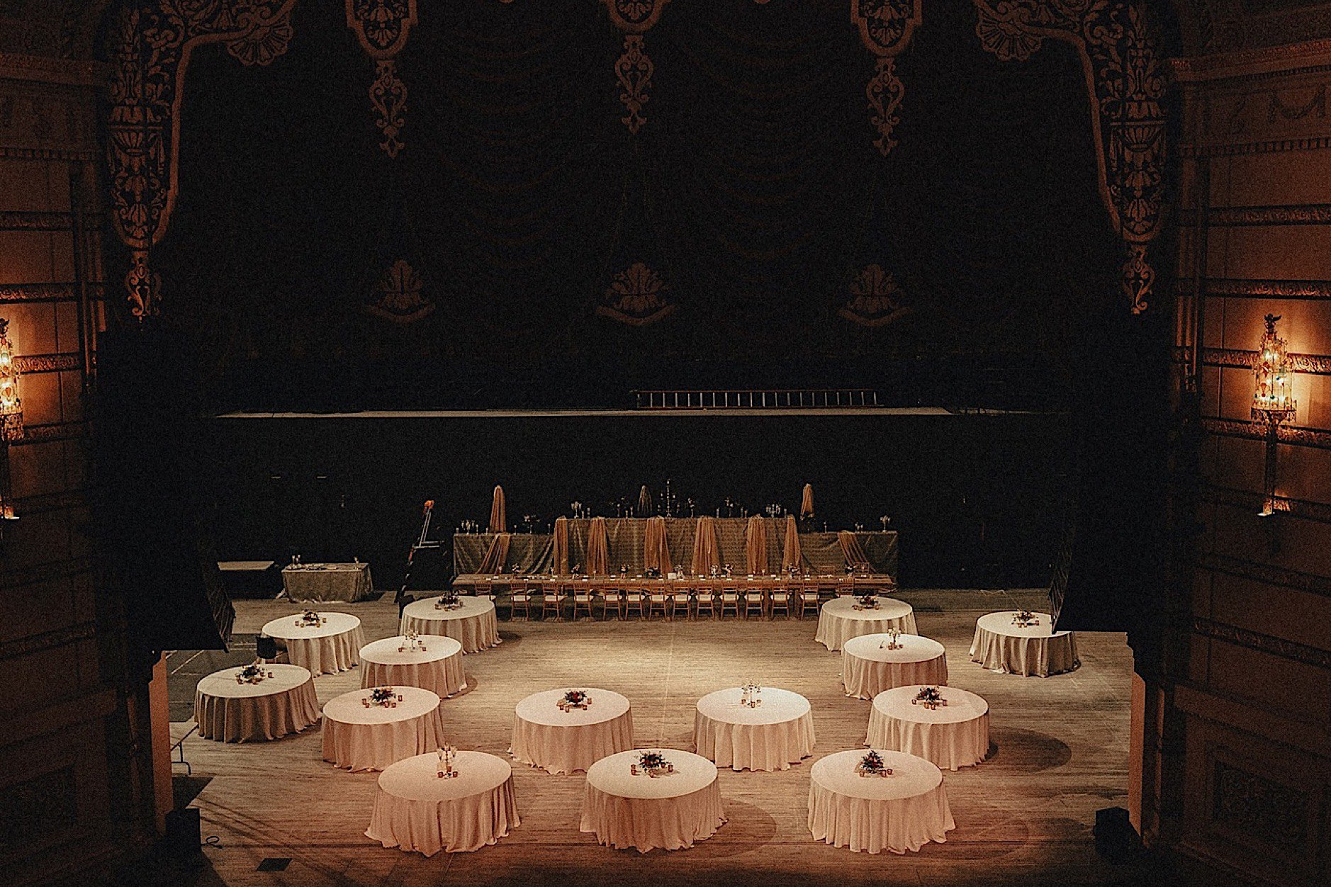 table set ups for historic paramount theater wedding